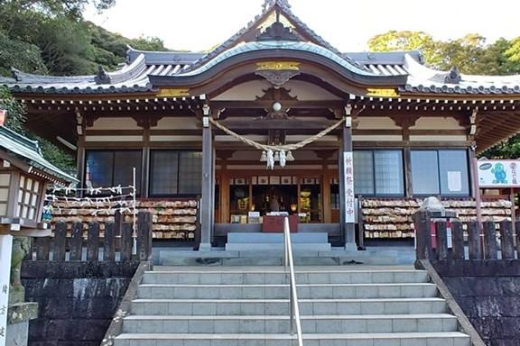 八幡竈門神社 拝殿