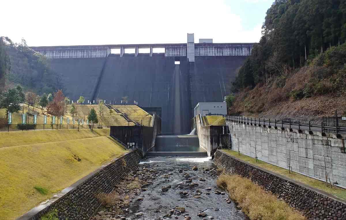 大山ダム 橋からの景色