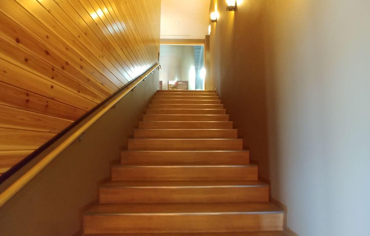 うめひびき 見学階段