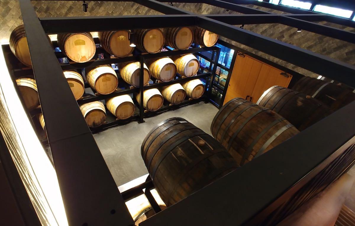 うめひびき 樽貯蔵庫