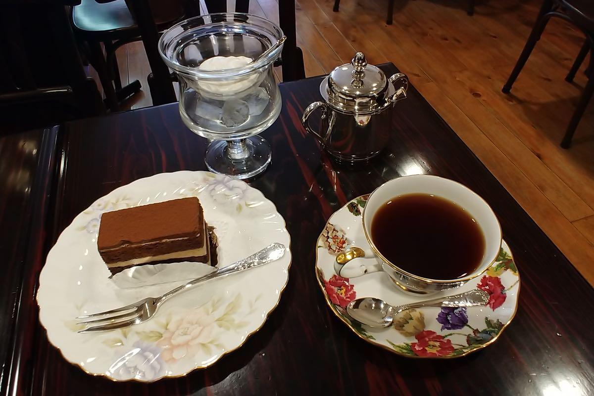 珈琲店みまつ コーヒーとケーキ