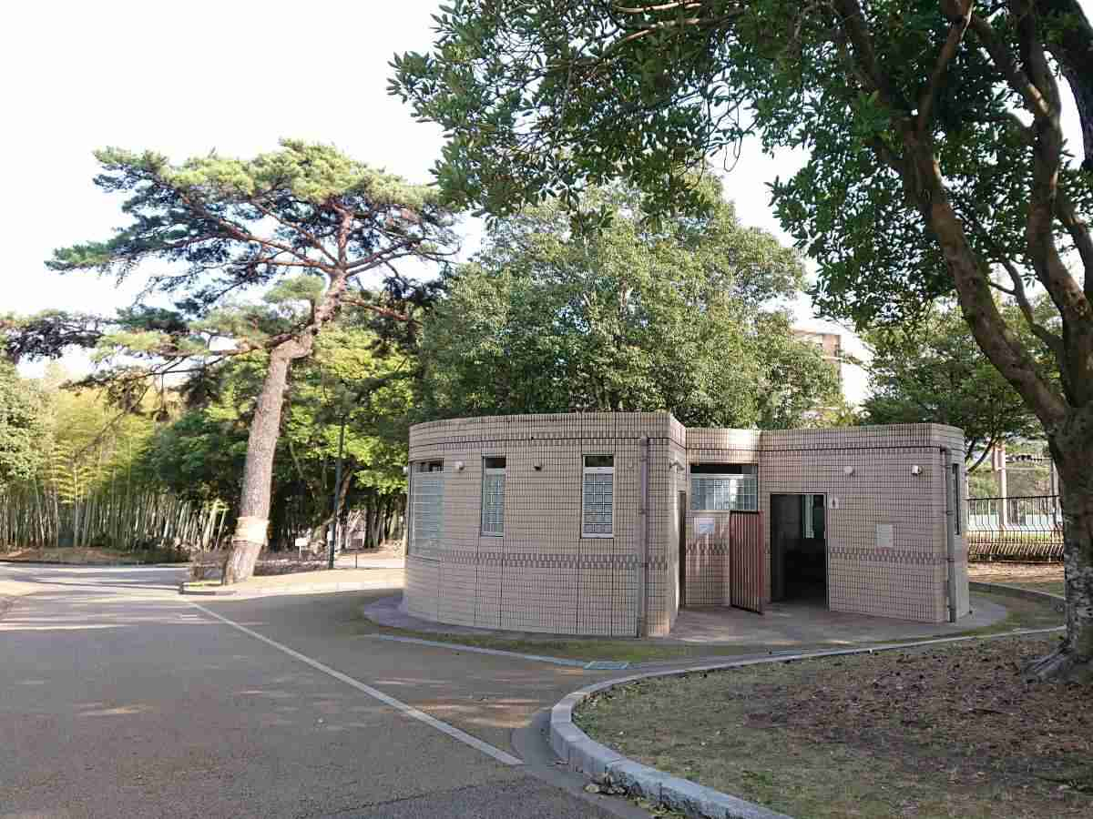 別府公園・南門トイレ