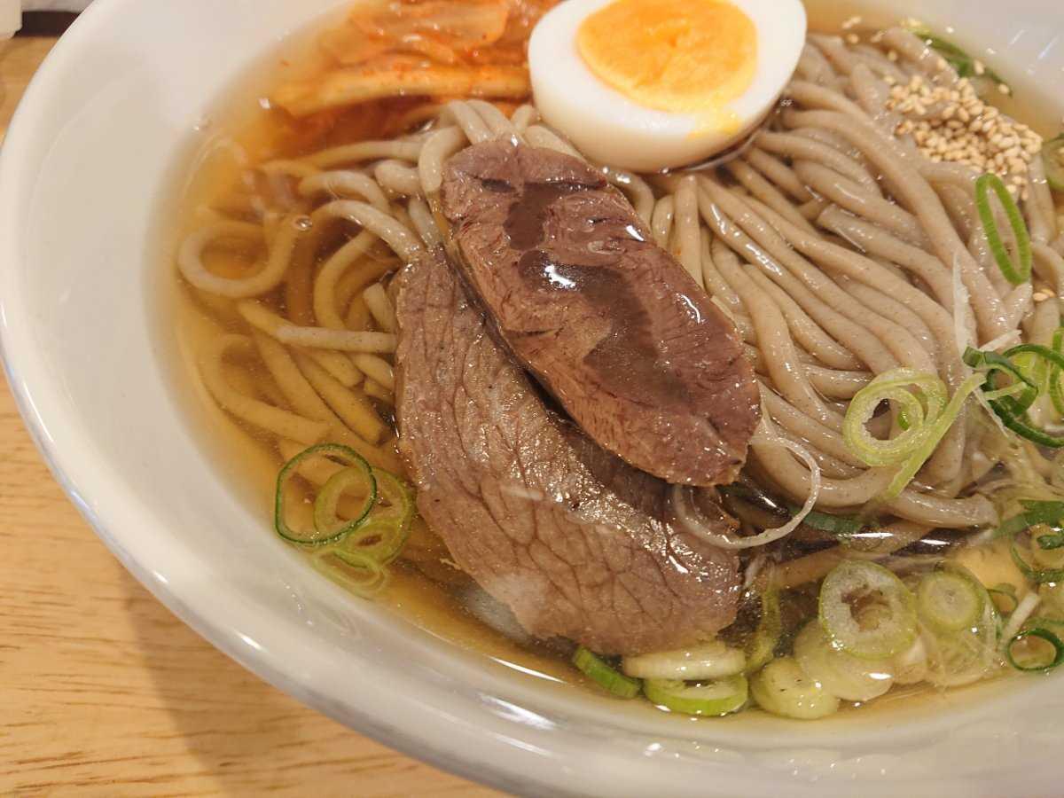 手のべ冷麺専門店 六盛・チャーシュー