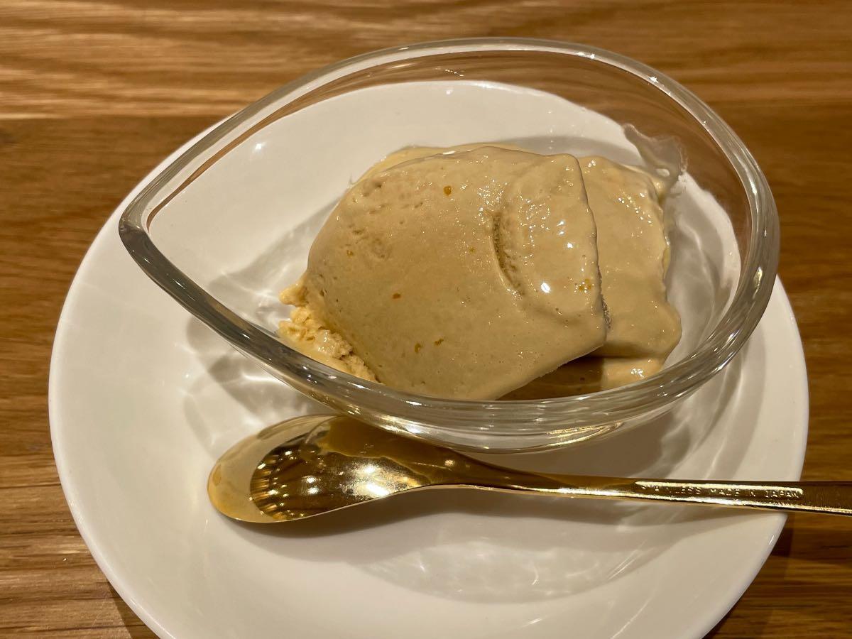 クアパーク 夕食烏龍茶アイスクリーム