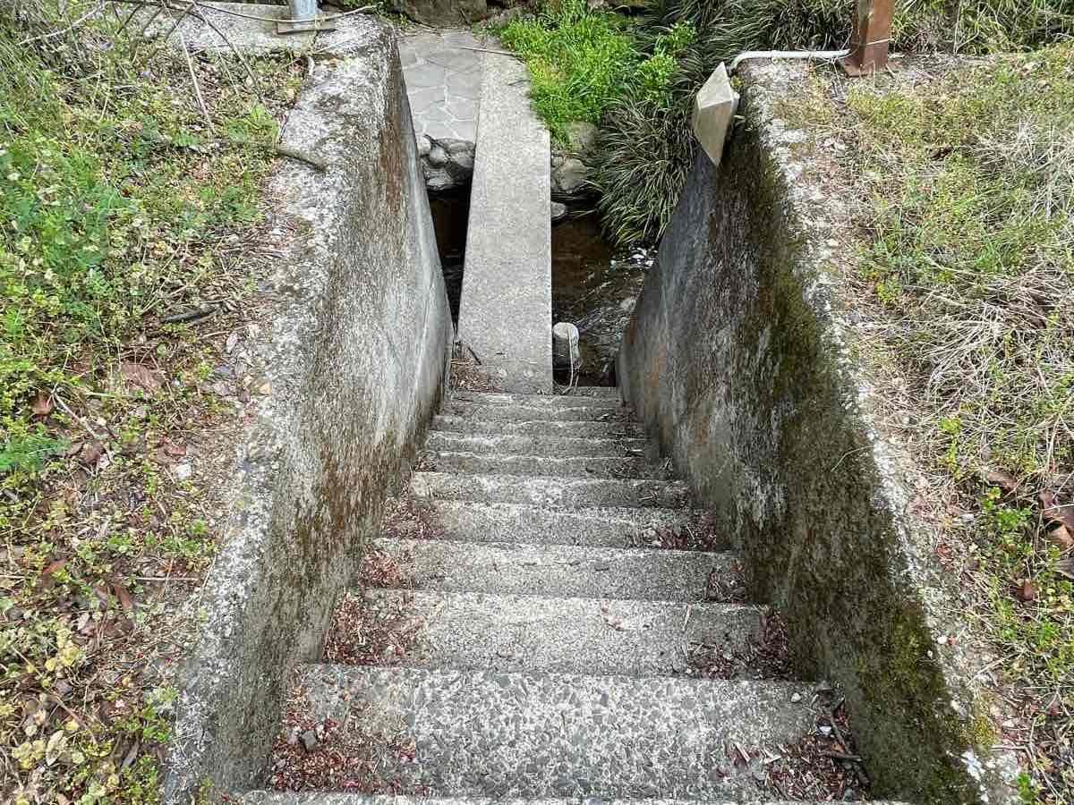 ガニ湯 階段