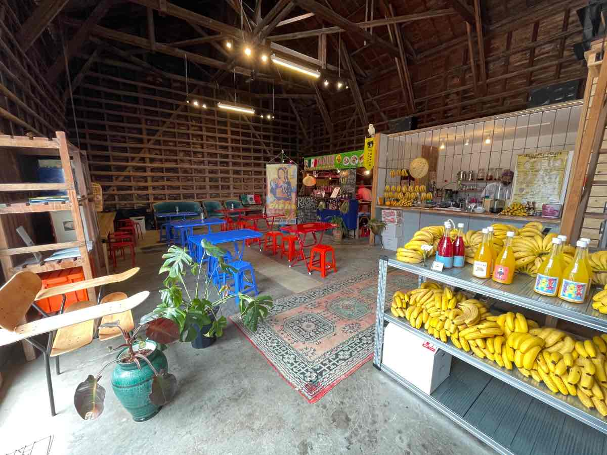 FRUITS CARTEL RICOS 店内