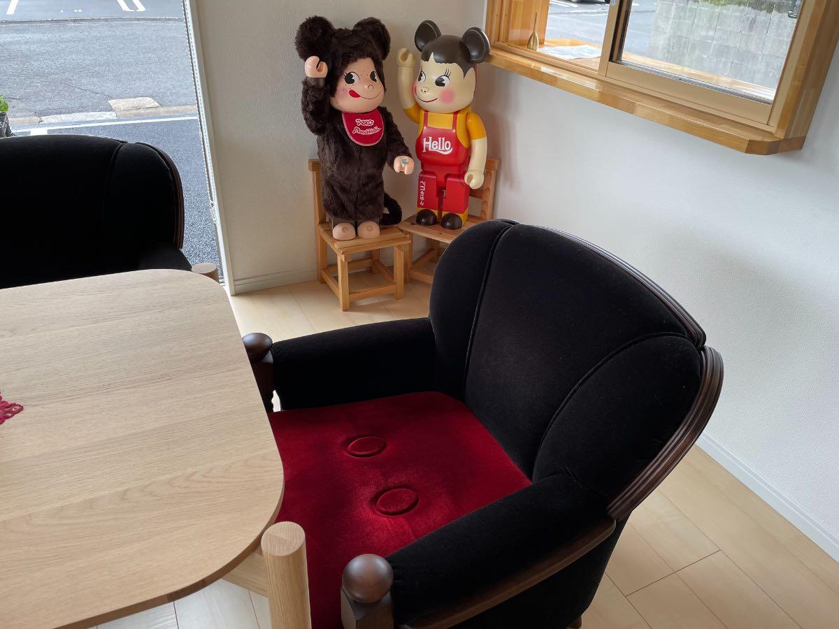 中島九条珈琲 ミッキーの椅子とペコちゃん