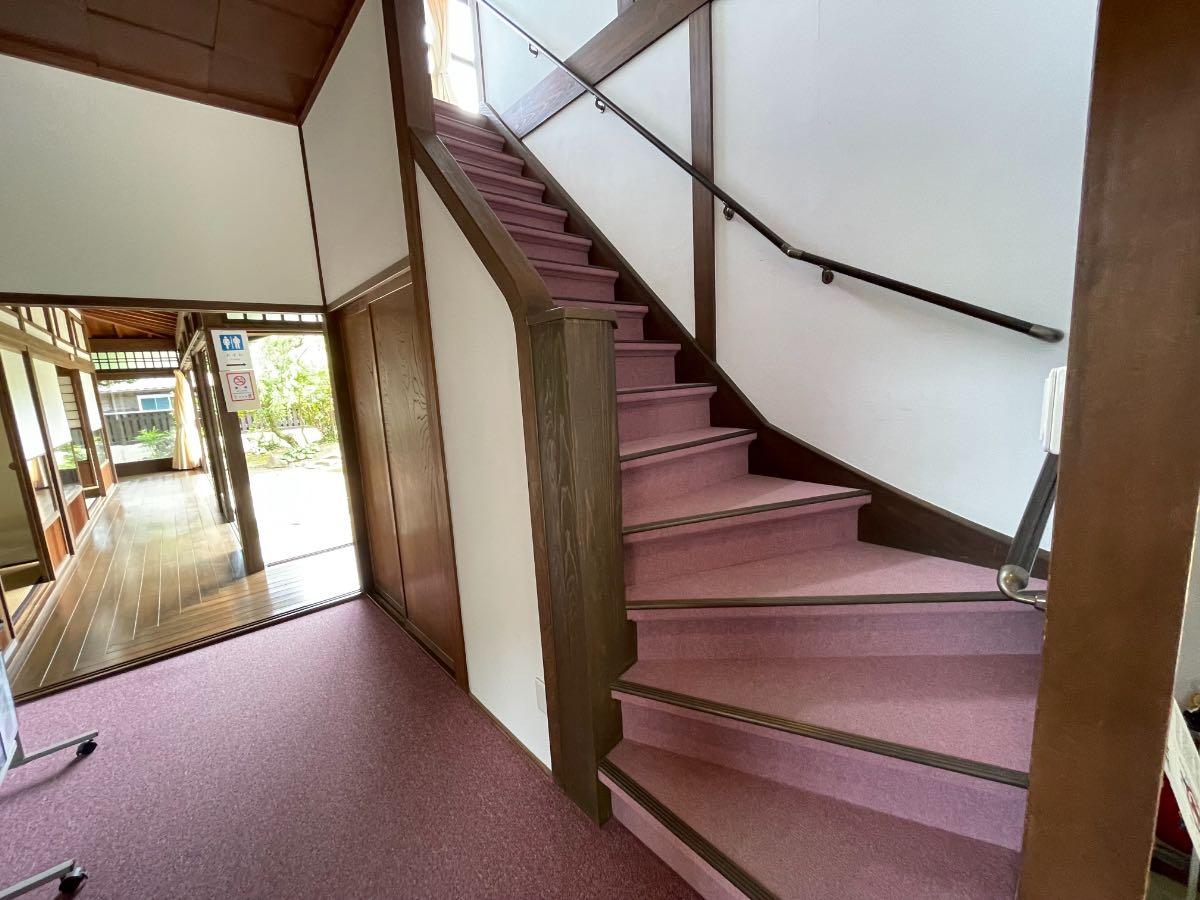 佐伯市観光交流館 階段