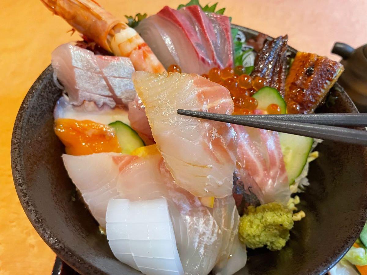 魚彩さくら亭 海鮮丼 たい