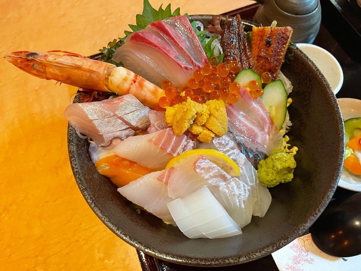 魚彩さくら亭 海鮮丼