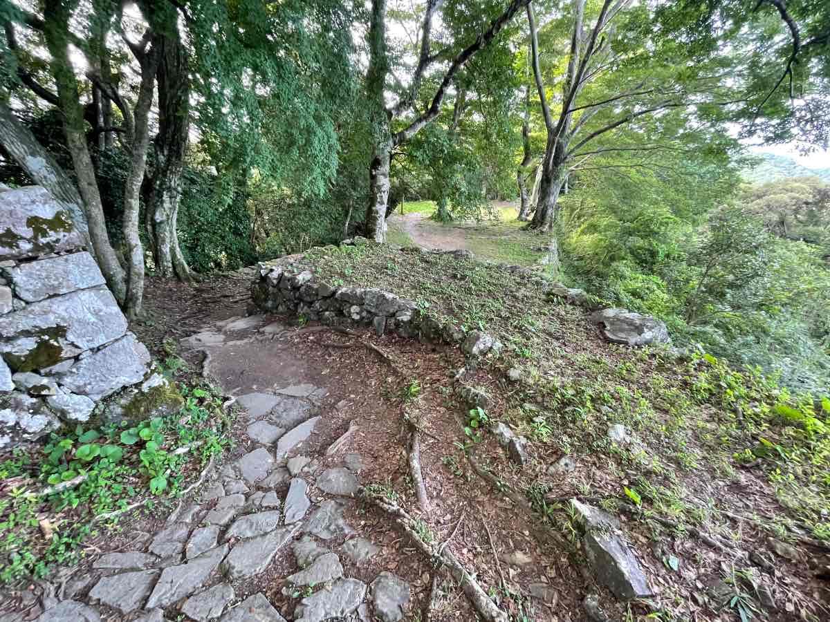 佐伯城跡 北の丸跡への道
